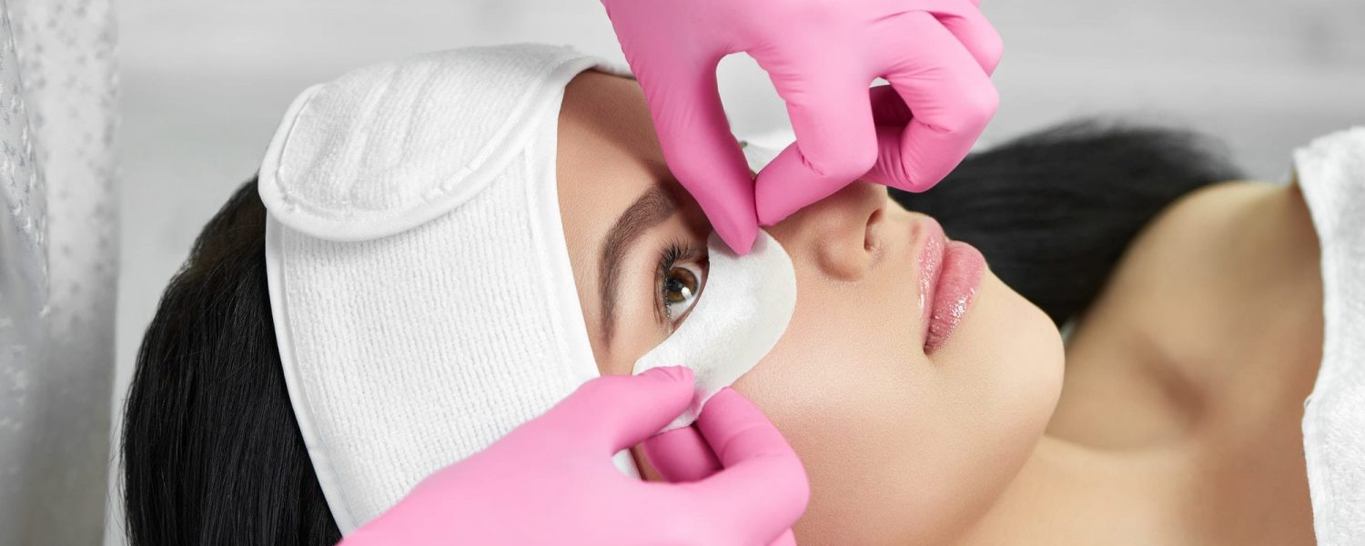 Lashmaker is prepearing girl for lashes extension